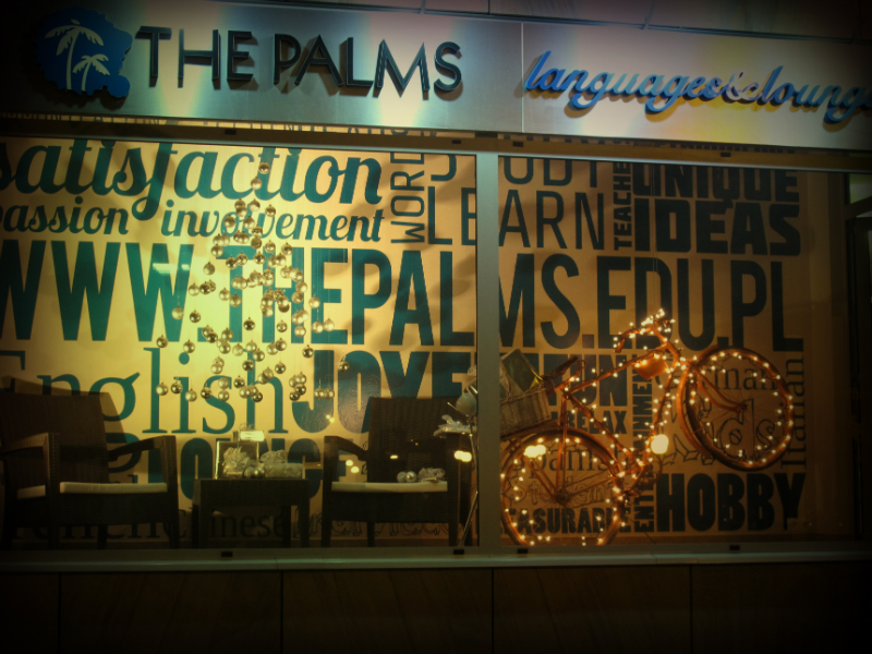 Kreatywność w szkole The Palms objawia się regularnie w postaci nowych instalacji na witrynie szkoły
