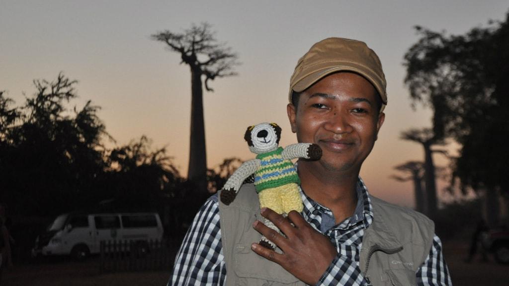 Serge Ravoahngilalao pochodzi z Madagaskaru i jest lektorem niemieckiego i francuskiego